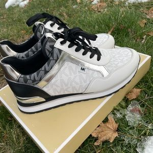 Michael Kors Shoes 🔥